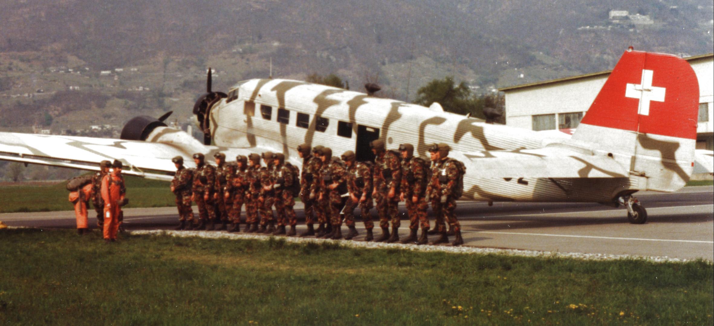 die 17er die fallschirmaufklrer der schweizer armee
