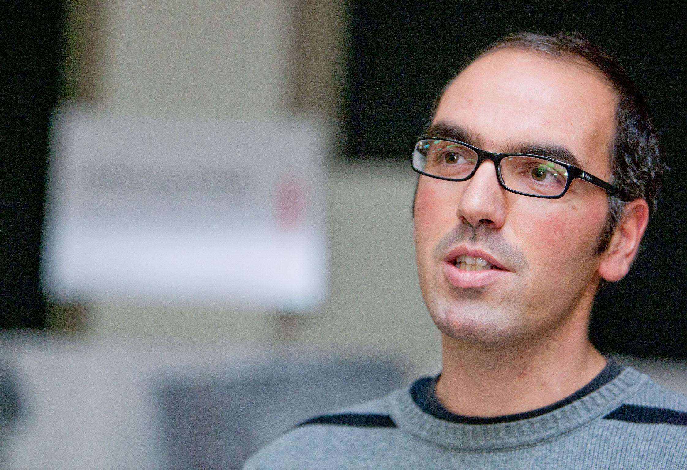 Antonin Tarchini, Conservateur-restaurateur de la haute école de la Chaux-de-Fonds, durant son exposé.