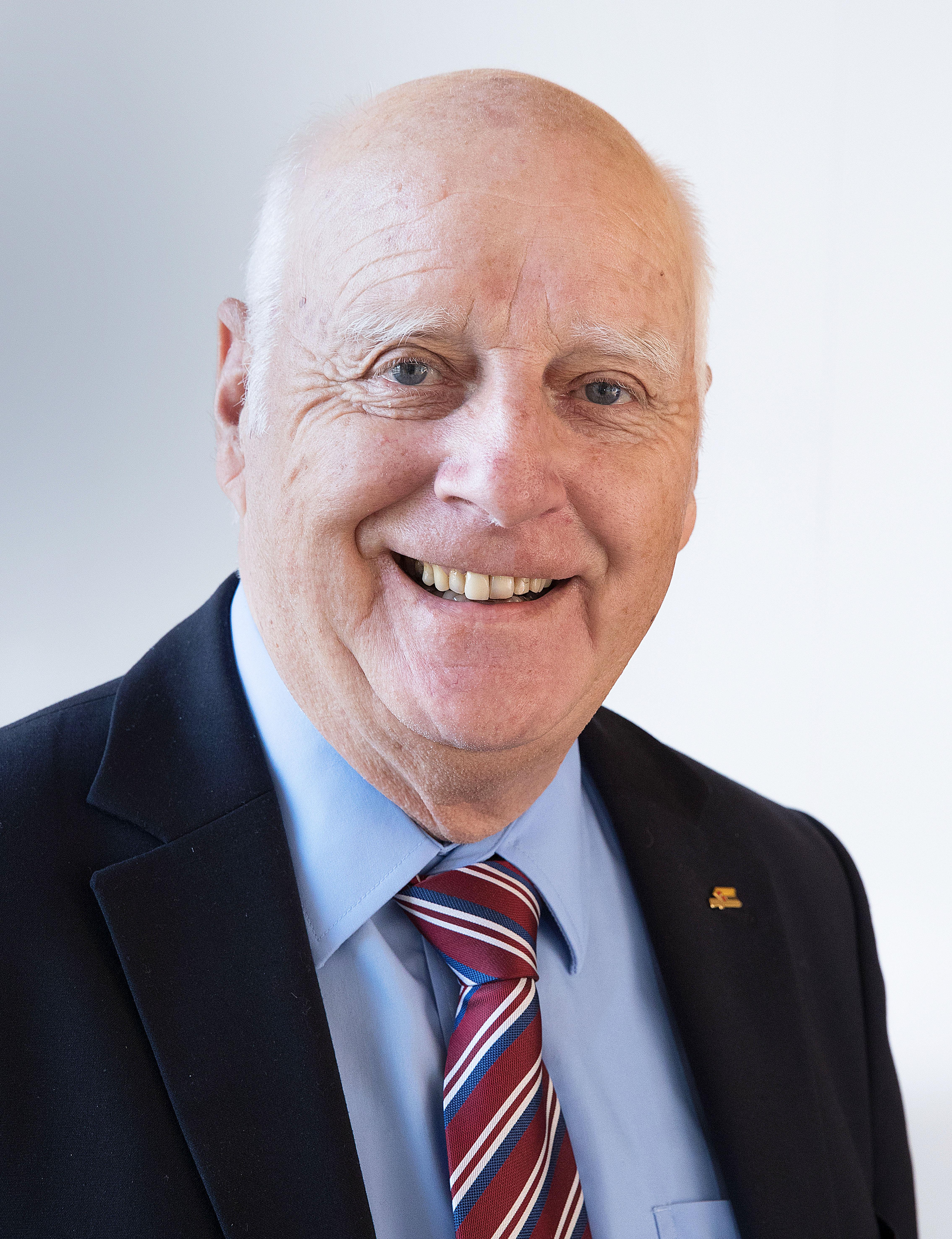 PaulMüller, Div aD